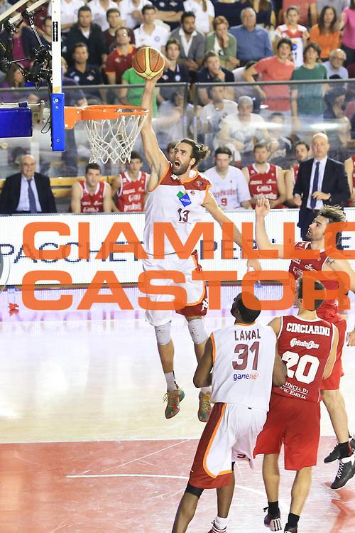 DESCRIZIONE : Roma Lega A 2012-2013 Acea Roma Trenkwalder Reggio Emilia playoff quarti di finale gara 7<br /> GIOCATORE : Datome Luigi <br /> CATEGORIA : schiacciata sequenza<br /> SQUADRA : Acea Roma<br /> EVENTO : Campionato Lega A 2012-2013 playoff quarti di finale gara 7<br /> GARA : Acea Roma Trenkwalder Reggio Emilia<br /> DATA : 21/05/2013<br /> SPORT : Pallacanestro <br /> AUTORE : Agenzia Ciamillo-Castoria/M.Simoni<br /> Galleria : Lega Basket A 2012-2013  <br /> Fotonotizia : Roma Lega A 2012-2013 Acea Roma Trenkwalder Reggio Emilia playoff quarti di finale gara 7<br /> Predefinita :