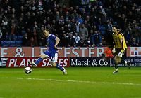 Photo: Steve Bond/Richard Lane Photography. Leicester City v Peterborough United. Coca-Cola Football League One. 20/12/2008. Matty Fryatt (L) goes past keeper Joe Lewis to score no2