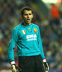 LIVERPOOL, ENGLAND - Tuesday, March 19, 2002: AS Roma's goalkeeper Francesco Antoniolo in action against Liverpool during the UEFA Champions League Group B match at Anfield. (Pic by David Rawcliffe/Propaganda)