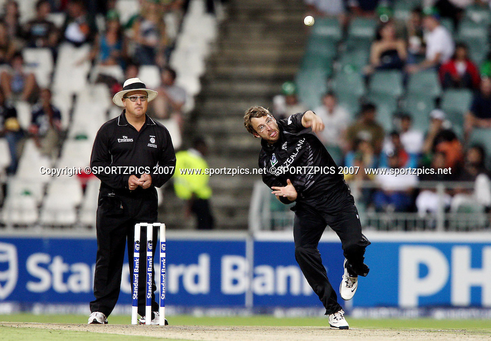 South Africa v New Zealand. International cricket Pro20 match held at the the Wanderers Stadium, Johannesburg, South Africa. Friday 23 November 2007. Photo: Barry Aldworth/SPORTZPICS/PHOTOSPORT<br /> South Africa v New Zealand. International cricket Pro20 match held at the the Wanderers Stadium, Johannesburg, South Africa. Friday 23 November 2007. Photo: Barry Aldworth/SPORTZPICS/PHOTOSPORT