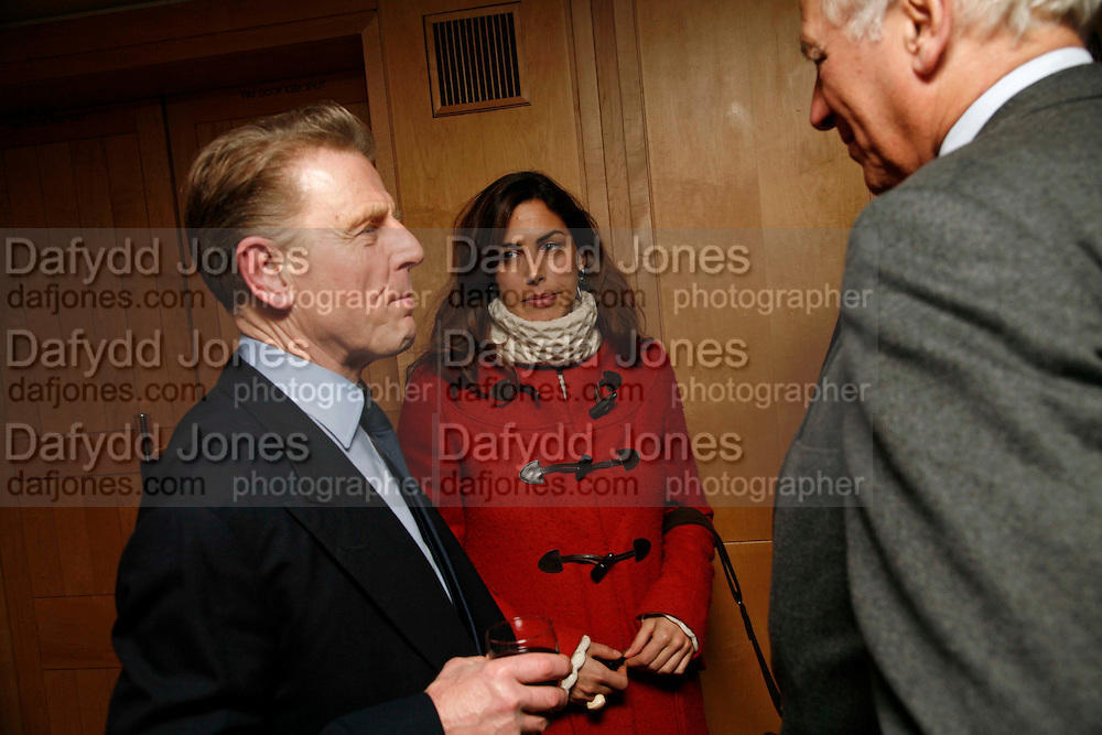 EDWARD FOX AND JESSICA DE ROTHSCHILD. After-drinks JOSEPHINE HART Poetry Hour. British Library. Euston Rd. London. 22 March 2006. ONE TIME USE ONLY - DO NOT ARCHIVE  © Copyright Photograph by Dafydd Jones 66 Stockwell Park Rd. London SW9 0DA Tel 020 7733 0108 www.dafjones.com