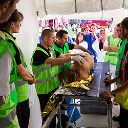 6ème entraînement zonal d'unités NRBC civiles (Sapeurs pompiers, Sécurité Civile, Police Nationale) et militaires organisé par le CNCMFE NRBC-E et visant à améliorer le travail entre les intervenants de services différents.  <br /> Septembre 2016 / Saint-Priest (69) / FRANCE<br /> Voir le reportage complet (290 photos) http://sandrachenugodefroy.photoshelter.com/gallery/2016-09-6eme-Entrainement-zonal-NRBC-E-Complet/G0000EKvKtvjuarw/C0000yuz5WpdBLSQ