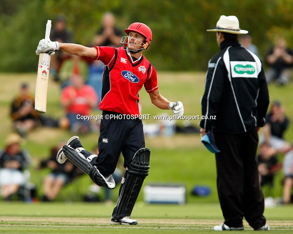 Canterbury batsman Rob Nicol raises his bat after reaching 100. Canterbury Wizards v Auckland Aces in the One Day Competition Final. QEII Park, Christchurch, New Zealand. Sunday, 13 February 2011. Joseph Johnson / PHOTOSPORT.