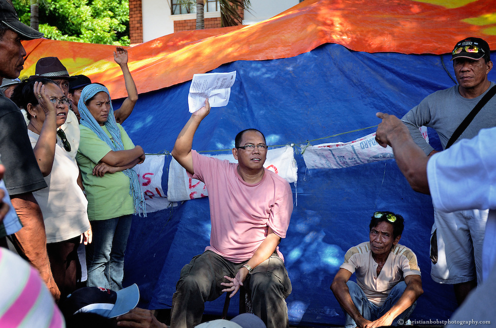 Die Mitarbeiter von TFM beraten und schulen die Landlosen in juristischen und organisatorischen Fragen.