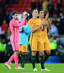 Australia players thank the fans at full time - Mandatory by-line: Matt McNulty/JMP - 27/05/2016 - FOOTBALL - Stadium of Light - Sunderland, United Kingdom - England v Australia - International Friendly