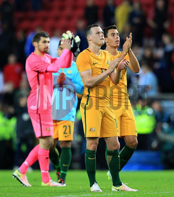 Australia players thank the fans at full time - Mandatory by-line: Matt McNulty/JMP - 27/05/2016 - FOOTBALL - Stadium of Light - Sunderland, United Kingdom - England v Australia - International Friendly