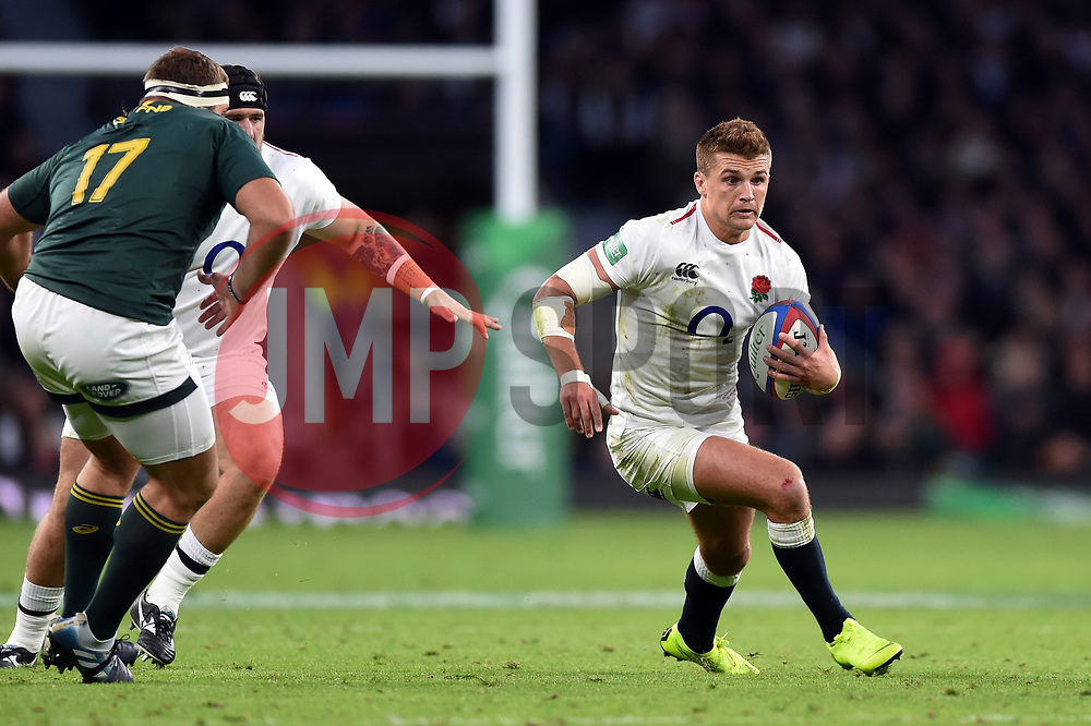 Henry Slade of England in possession - Mandatory byline: Patrick Khachfe/JMP - 07966 386802 - 03/11/2018 - RUGBY UNION - Twickenham Stadium - London, England - England v South Africa - Quilter International