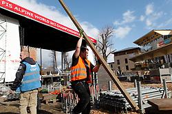 18.02.2013, Schladming, AUT, FIS Weltmeisterschaften Ski Alpin, im Bild Abbauarbeiten am Medal Plaza vor dem Schladminger Rathaus // break down of the Medal Plaza near the town hall of Schladming after the FIS Ski World Championships 2013 in Schladming, Austria on 2013/02/18. EXPA Pictures © 2013, PhotoCredit: EXPA/ Martin Huber