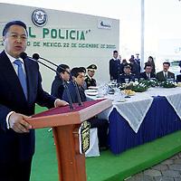 Almoloya, Méx.- Manuel Cadena Morales secretario general de gobierno durante la ceremonia del día del policía en el colegio de formación profesional. Agencia MVT / Mario Vázquez de la Torre.