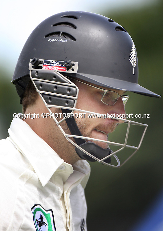Daniel Vettori during the National Bank Test Match Series, New Zealand v England, 2nd day of 1st Test at Seddon Park, Hamilton, New Zealand. Thursday 6 March 2008. Photo: Stephen Barker/PHOTOSPORT