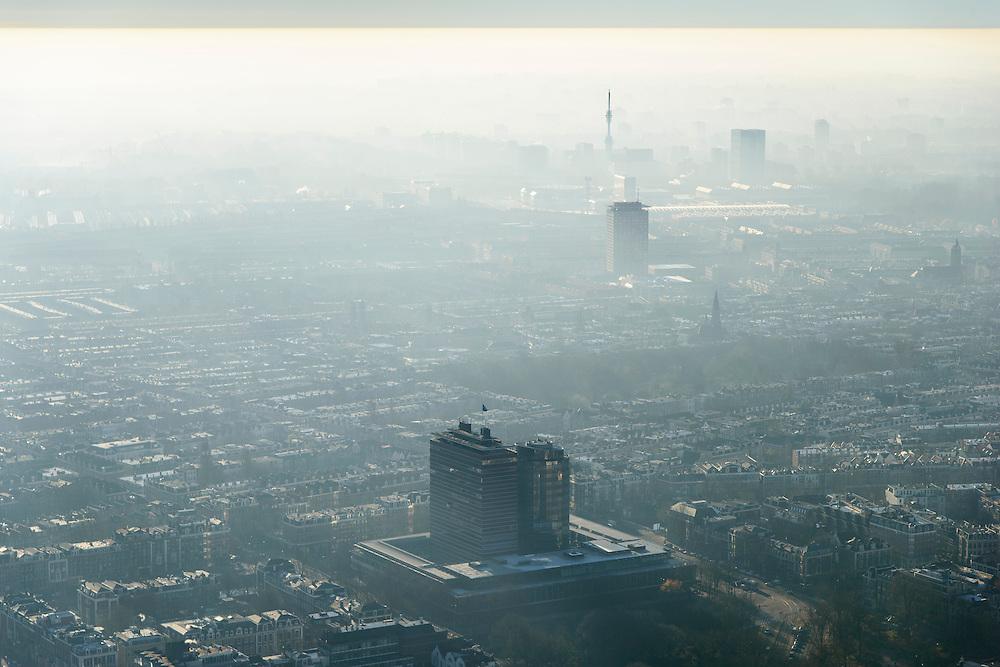 Nederland, Noord-Holland, Amsterdam, 11-12-2013; Amsterdam-Zuid met zicht op de Zuidas (in tegenlicht). Nederlandsche Bank, DNB, in de voorgrond<br /> South Amsterdam with a view of the Zuidas financial centre (backlit).<br /> luchtfoto (toeslag op standaard tarieven);<br /> aerial photo (additional fee required);<br /> copyright foto/photo Siebe Swart.