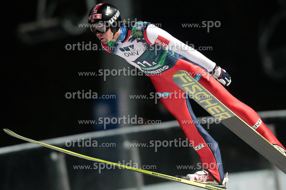 23.11.2012, Lysgards Schanze, Lillehammer, NOR, FIS Weltcup, Ski Sprung, Mixed Team, im Bild Bardal Ansen (NOR) during the mixed team competition of FIS Ski Jumping Worldcup at the Lysgardsbakkene Ski Jumping Arena, Lillehammer, Norway on 2012/11/23. EXPA Pictures © 2012, PhotoCredit: EXPA/ Federico Modica
