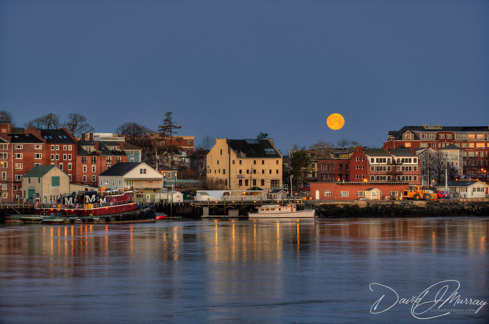 "The ""Super Moon"" of March, 2011 sets over Portsmouth Harbor, Porsmouth, NH. Viewed from Kittery, ME"