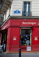 View of a corner Boulangerie in Paris