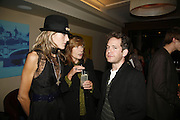 Dixie Chassay, Melissa Chassay and Tom Hollander, The 25th hour post party at the Plaza on the River, 18 Albert Embankment. Culmination of the 24 Hour Plays Celebrity Gala at the Old Vic.London. 8 October 2006.  -DO NOT ARCHIVE-© Copyright Photograph by Dafydd Jones 66 Stockwell Park Rd. London SW9 0DA Tel 020 7733 0108 www.dafjones.com