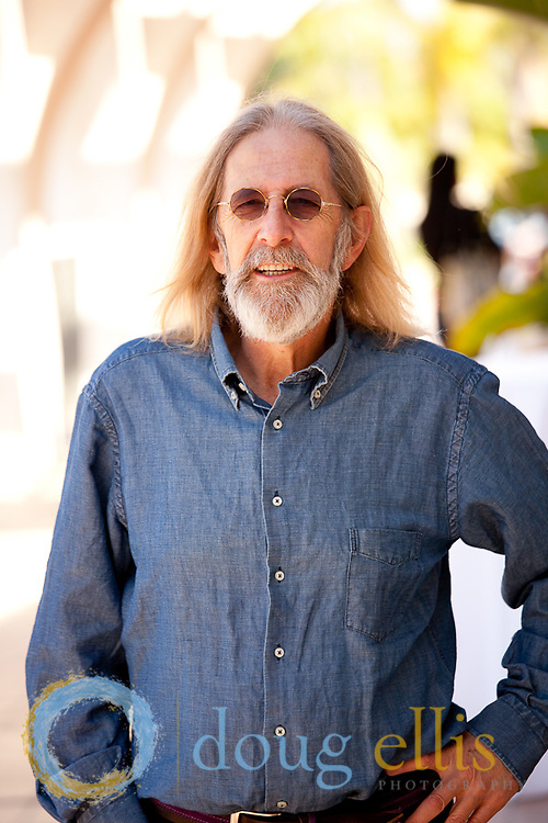 Gregory Charles business portraits and book jacket and book cover photos.