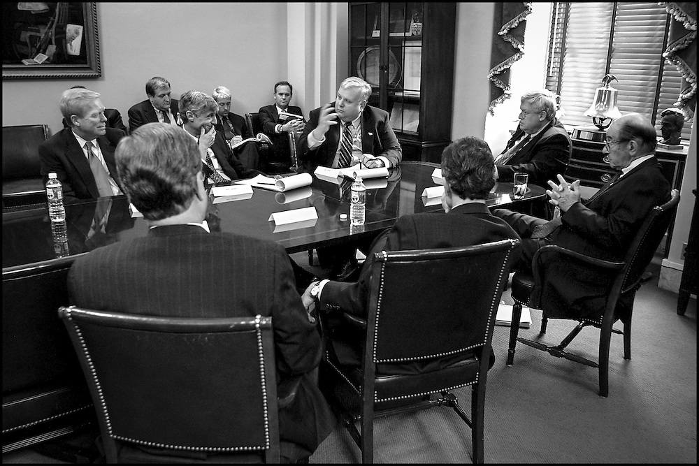 Lawrence Lindsey talks about the economic outlook for U.S. in a meeting with Congressional Leaders (with Greenspan and Rubin) on Capitol Hill..9/19/01..©PF BENTLEY/PFPIX.com
