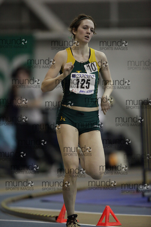 Windsor, Ontario ---12/03/09--- Amanda Schneck of  the University of Alberta competes in the Women's pentathlon 800m at the CIS track and field championships in Windsor, Ontario, March 12, 2009..Sean Burges Mundo Sport Images