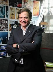 FOT&Oacute;GRAFO: Oliver Llaneza ///<br /> <br /> Felipe Berr&iacute;os para libro Innovaci&oacute;n en Chile;