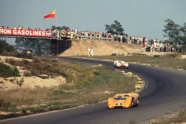 Denny Hulme in winning McLaren M6A at 1967 Bridgehampton Can-Am