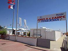 20170713 CANI IN SPIAGGIA