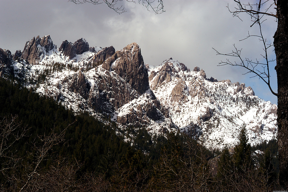Castle Crags State Park in located just six miles south of Dunsmuir and features soaring spires of ancient granite and about two miles of the quick running upper Sacramento River and lovely Castle Creek. Elevations in the park range from 2,000 feet to more than 6,000 feet at the top of the Crags. There are 18 miles of improved trails available to hikers and backpackers including several miles of the famous Pacific Crest Trail.