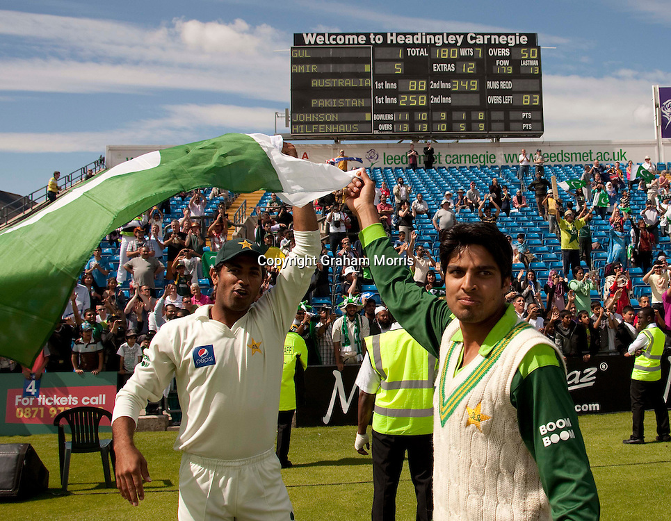 Pakistan players celebrate winning the second MCC Spirit of Cricket Test Match against Australia at Headingley, Leeds.  Photo: Graham Morris (Tel: +44(0)20 8969 4192 Email: sales@cricketpix.com) 24/07/10