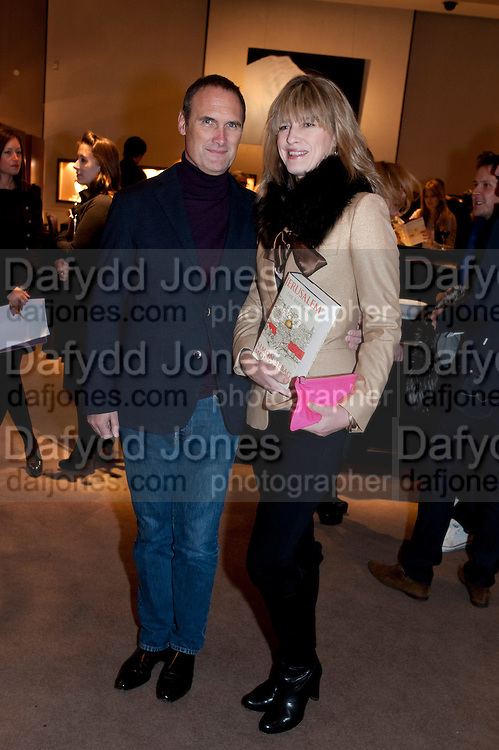 A.A. GILL; NICOLA FORNBY, Santa Sebag Montefiore and Asprey's host a book launch for Jerusalem: the Biography by Simon Sebag Montefiore. Asprey. New Bond St. London. 26 January 2010. -DO NOT ARCHIVE-© Copyright Photograph by Dafydd Jones. 248 Clapham Rd. London SW9 0PZ. Tel 0207 820 0771. www.dafjones.com.