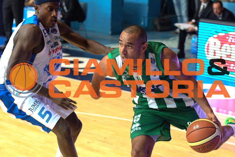DESCRIZIONE : Cant&ugrave; Lega A 2014-15 Acqua Vitasnella Cant&ugrave; vs Sidiga Avellino<br /> GIOCATORE : Hanga Adam<br /> CATEGORIA : Palleggio<br /> SQUADRA : Sidigas Avellino<br /> EVENTO : Campionato Lega A 2014-2015<br /> GARA : Acqua Vitasnella Cant&ugrave; vs Sidigas Avellino<br /> DATA : 19/10/2014<br /> SPORT : Pallacanestro <br /> AUTORE : Agenzia Ciamillo-Castoria/I.Mancini<br /> Galleria : Lega Basket A 2014-2015<br /> Fotonotizia : Cant&ugrave; Lega A 2014-2015 Acqua Vitasnella Cant&ugrave; vs Sidigas Avellino<br /> Predefinita :