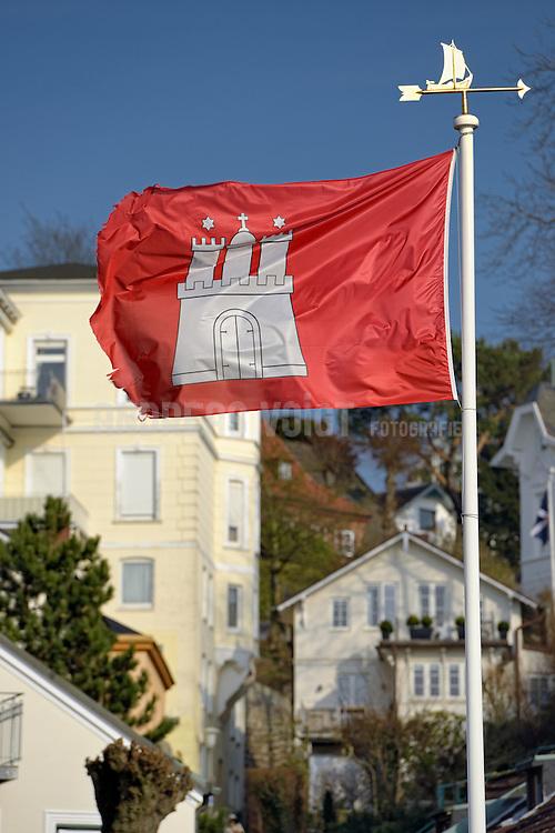 Flaggenmast und Hamburg-Flagge in Blankenese