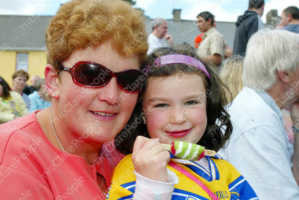 Feakle Festival on Sunday 13th August has a great turn out with the square packed with locals &amp; foreigners alike all enjoying the trad session open air concert put on by Dutch band 'Harmony Glen&quot;. Pictured is Liz &amp; Grace (5) McMahon from Feakle.<br />Pic. Emma Jervis/ press 22