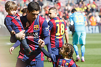 Luis Suarez and his sons during the Spanish championship Liga football match between FC Barcelona and Rayo Vallecano on March 8, 2015 at Camp Nou stadium in Barcelona, Spain. Photo Bagu Blanco / DPPI