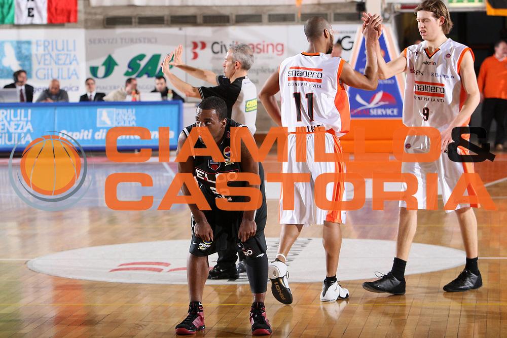DESCRIZIONE : Udine Lega A 2008-09 Snaidero Udine Eldo Caserta <br /> GIOCATORE : brent darby <br /> SQUADRA : Eldo Caserta <br /> EVENTO : Campionato Lega A 2008-2009 <br /> GARA : Snaidero Udine Eldo Caserta <br /> DATA : 22/03/2009 <br /> CATEGORIA : delusione <br /> SPORT : Pallacanestro <br /> AUTORE : Agenzia Ciamillo-Castoria/S.Silvestri
