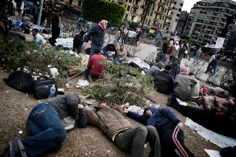Protestors anti-gouvernment sleeping in Tahrir square in Cairo on February 5, 2010.© ALESSIO ROMENZI