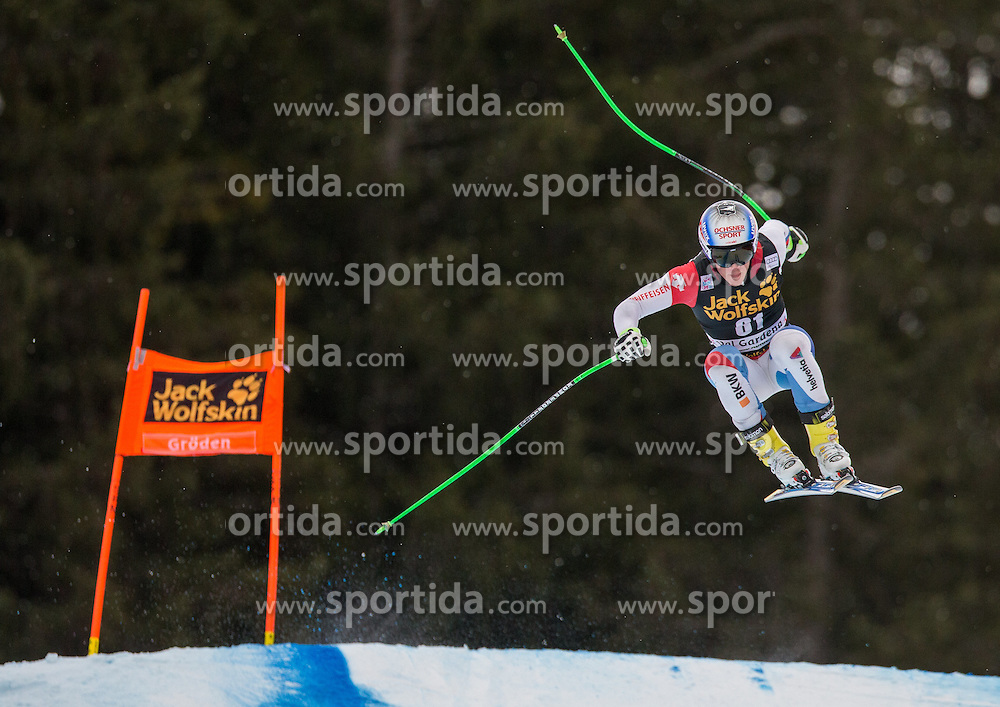 16.12.2015, Saslong, Groeden, ITA, FIS Ski Weltcup, Herren, Abfahrt, 1. Training, im Bild Fernando Schmed (SUI) // Fernando Schmed of Switzerland in action 1st downhill practice of the Groeden FIS Ski Alpine World Cup at the Saslong Course in Gardena, Italy on 2015/12/16. EXPA Pictures © 2015, PhotoCredit: EXPA/ Johann Groder