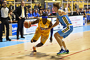 DESCRIZIONE : Torino Lega A 2015-16 Manital Torino - Vanoli Cremona<br /> GIOCATORE : Dawan Robinson<br /> CATEGORIA : <br /> SQUADRA : Manital Auxilium Torino<br /> EVENTO : Campionato Lega A 2015-2016<br /> GARA : Manital Torino - Vanoli Cremona<br /> DATA : 01/11/2015<br /> SPORT : Pallacanestro<br /> AUTORE : Agenzia Ciamillo-Castoria/M.Matta<br /> Galleria : Lega Basket A 2015-16<br /> Fotonotizia: Torino Lega A 2015-16 Manital Torino - Vanoli Cremona