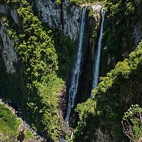 Cachoeira das Andorinhas, Canion Itaimbezinho, Parque Nacional de Aparados da Serra, Cambará do Sul, Rio Grande do Sul, foto de Zé Paiva - Vista Imagens