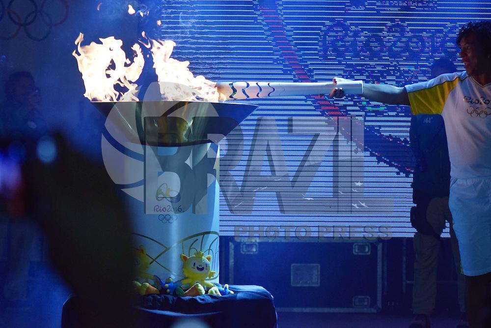 CAMPINAS,SP - 20.07.2016 - RIO-2016 - Michael Jackson, ex-jogadora da seleção brasileira de futebol feminino, é a escolhida para ser a última condutora da tocha olímpica e ascender a pira olímpica, durante a passagem da tocha olímpica, na Praça Arautos da Paz, localizada em Campinas, cidade do interior do estado de São Paulo, na tarde desta quarta-feira, 20. http://brazilphotopress.photoshelter.com/gallery-image/Fotos-do-Dia/G0000vGKJ7WoqnFM/I0000HrkQfZyh0UE