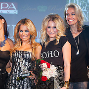NLD/Amsterdam/20121112 - Beau Monde Awards 2012, Yolanthe Sneijder - Cabau van Kasbergen, Sylvie van der Vaart en Nikkie Plessen, Frederique van der Wal en leontien Zijlaard - van Moorsel