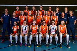 21-12-2018 NED: Photoshoot selection of Orange Young Girls, Arnhem <br /> Orange Young Girls 2018 - 2019 / Teamphoto