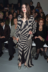 © Licensed to London News Pictures. 17/09/2016.  FRANCES BEAN COBAIN attends the GARETH PUGH Spring/Summer 2017 show. Models, buyers, celebrities and the stylish descend upon London Fashion Week for the Spring/Summer 2017 clothes collection shows. London, UK. Photo credit: Ray Tang/LNP