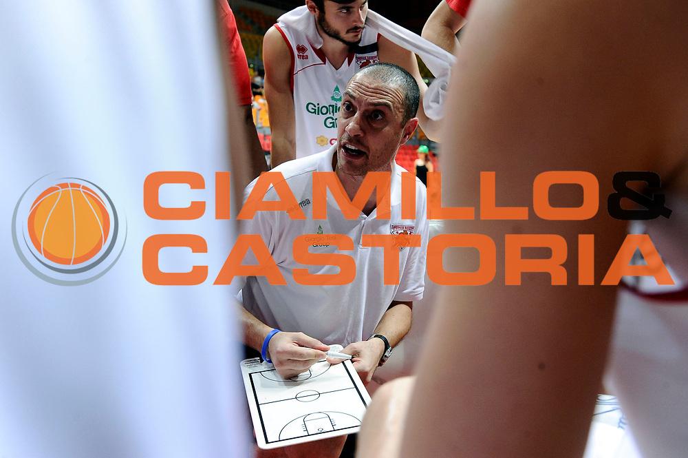 DESCRIZIONE : Livorno Trofeo Labronica Basket &ldquo;Allianz&rdquo; Manital Torino Giorgio Tesi Group Pistoia<br /> GIOCATORE : Vincenzo Esposito<br /> CATEGORIA : allenatore timeout<br /> SQUADRA : Giorgio Tesi Group Pistoia<br /> EVENTO : Trofeo Labronica Basket &ldquo;Allianz&rdquo;<br /> GARA : Manital Torino Giorgio Tesi Group Pistoia<br /> DATA : 25/09/2015<br /> SPORT : Pallacanestro <br /> AUTORE : Agenzia Ciamillo-Castoria/Max.Ceretti