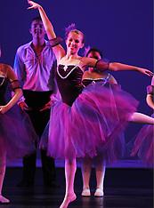 STUDIO 34 Dance Breaking Through 28 Ballet 3