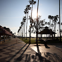 Photo of Peninsula Park in Newport Beach California. Peninsula Park is located on Balboa Peninsula at Balboa Pier along the Newport Balboa Bike Trail. The address is 100 Main St, Newport Beach, California, 92661