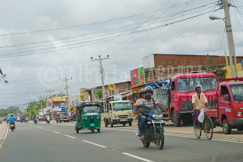 Alberto Carrera, Street scene, Sri Lanka, Asia