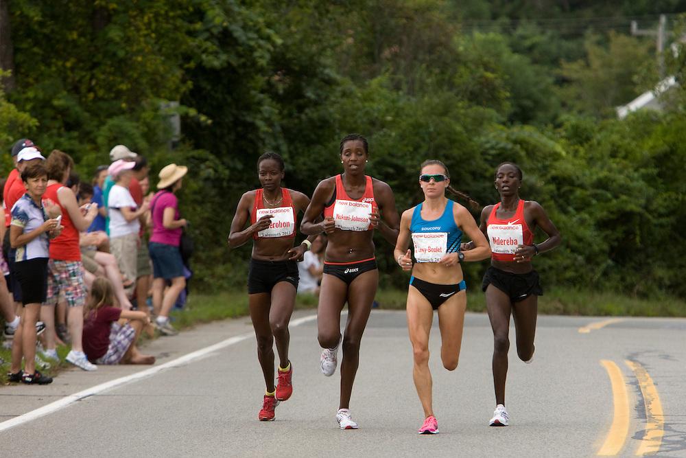 lead pack of women at mile three, Lewy-Boulet, Nukuri-Johnson, Cherobon-Bawcom, Ndereba