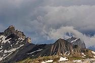 Landschaften im Gebiet des Sanetsch Passes mit Blick auf dieTête Noire die La Fava.