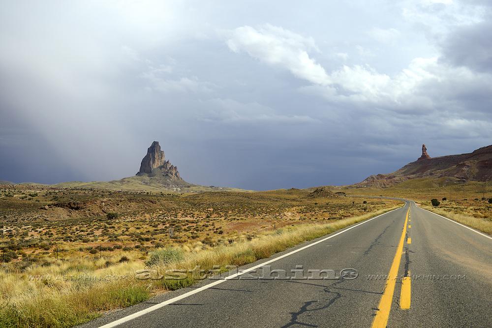 Road to Monument Valley, Arizona.