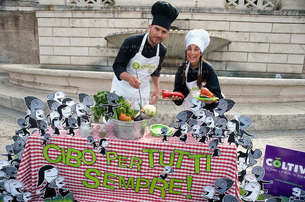 Roma 1 Giugno 2011.Aggiungi un posto a tavola....per 9 miliardi di persone.Azione dimostrativa contro la fame nel mondo, organizzata da Oxfam Italia per presentare la nuova campagna globale COLTIVA. Il cibo. La vita. Il pianeta..