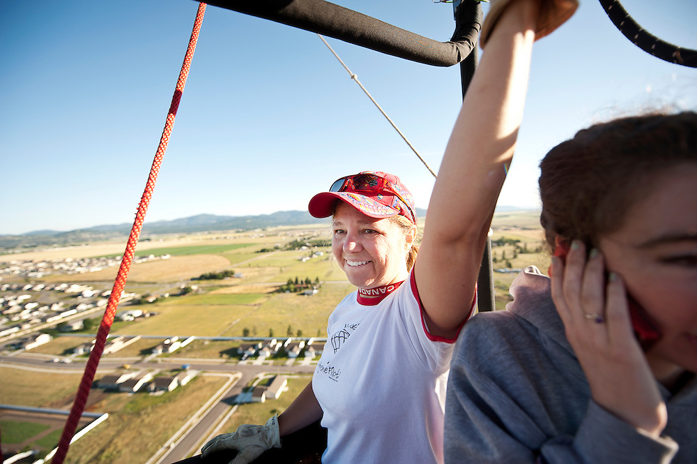 Alum and adventurer Myia Hackett ('94 M.AD.CU) follows her passion by flying her hot air balloon, &quot;MyAir FlyAir.&quot;<br />